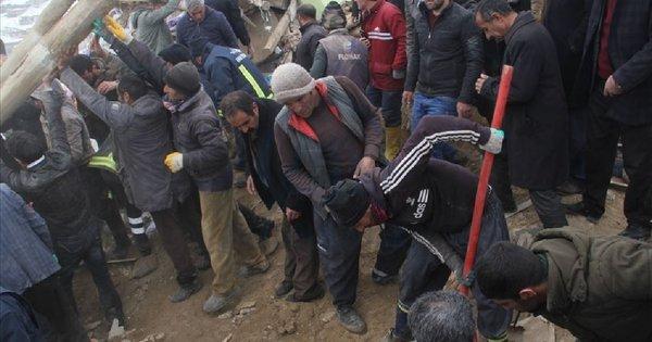 На кордоні Туреччини та Ірану стався потужний землетрус, є загиблі. Жертвами землетрусу стали щонайменше 8 людей, серед яких троє дітей