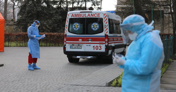 Троє львівських лікарів поїхали в Італію для боротьби з пандемією Covid-19