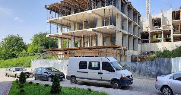 Суд тимчасово поновив дозвіл на будівництво багатоповерхівки в ...