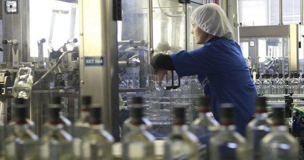 Приватні компанії отримали перші ліцензії на виробництво спирту. Державне підприємство «Укрспирт» залишалося монополістом до 1 липня 2020 року