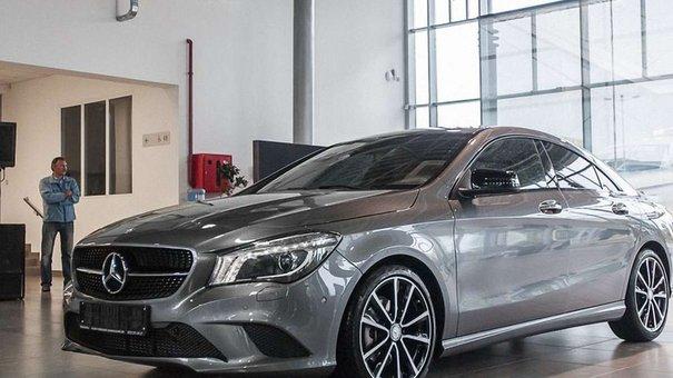 У Львові презентували чотиридверне купе від Mercedes-Benz