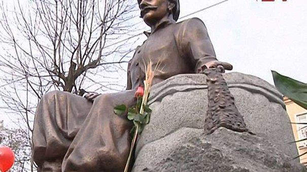 У Львові відкрили пам'ятник Юрію-Францу Кульчицькому