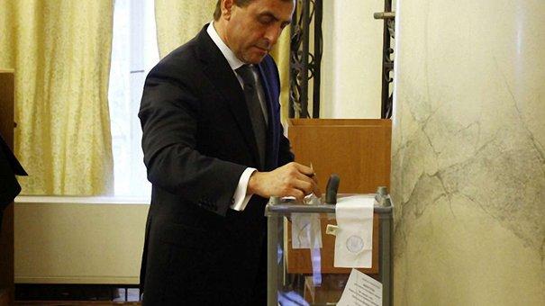 Львівська облрада висловила недовіру Салу, але не до кінця