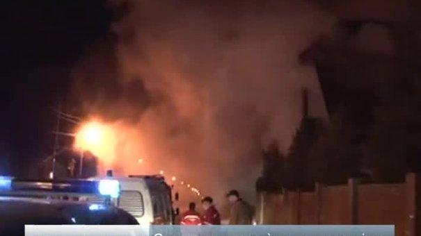 На вулиці Личаківській спалахнув дерев'яний житловий будинок
