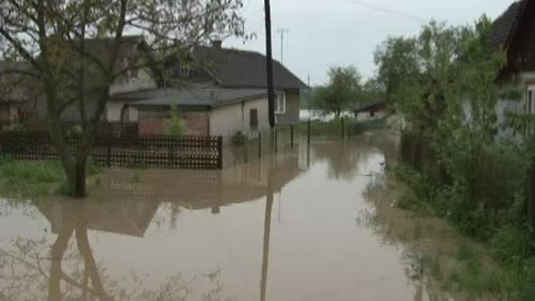 Негода завдала збитків у восьми районах області