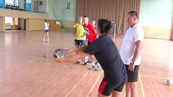 Львівські гандболістки «Галичанки» тренуватимуться на Херсонщині