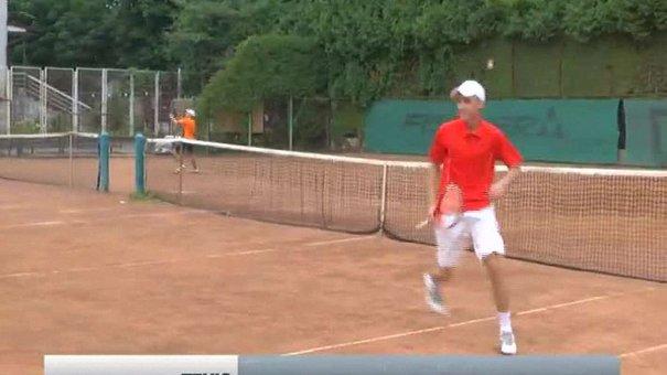 У Львові юні тенісисти змагаються на Кубку Домбровського