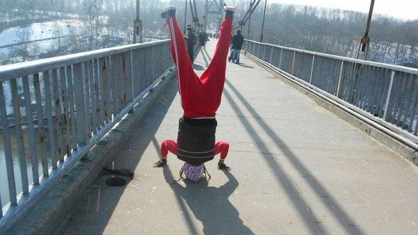 Роуп-джампери у Львові стрибали з дев'ятиповерхівки