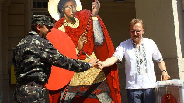 Для збору пожертв на армію у Львові скористались ідеєю 100-річної давнини