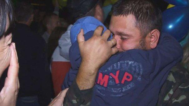 «На Донбасі місцеві комусь дзвонили і по нас відразу стріляли»