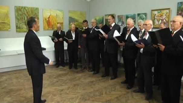 У Львові українські художники продають картини заради військових