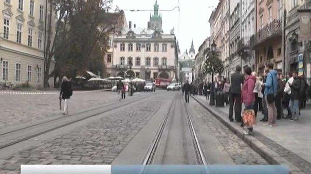 Вибухівки у львівській ратуші не знайшли