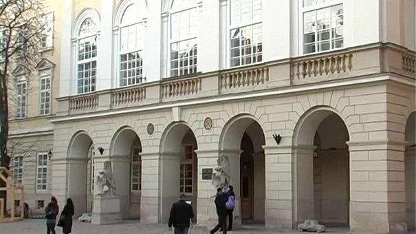 У львівській мерії знайшли заміну чиновникам, які пройшли у парламент