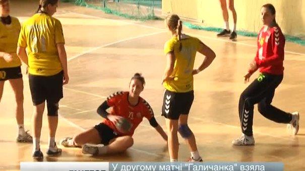Львівська «Галичанка» зіграла два товариські матчі із «Карпатами»