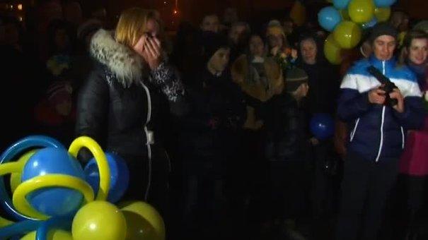 У Львові нацгвардієць публічно освідчився в коханні по прибутті зі зони АТО