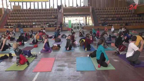 У Львові відбувся четвертий йога-марафон