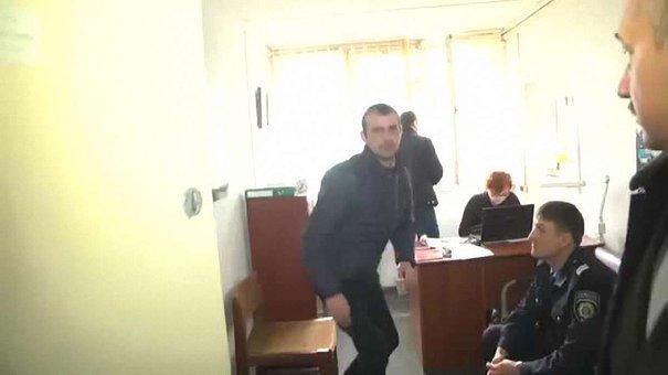 Правоохоронці затримали «мінера» львівського аеропорту: п'яний молодик вирішив пожартувати