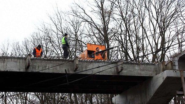 Міст на західному об'їзді Львова розширять і відкриють для руху у червні