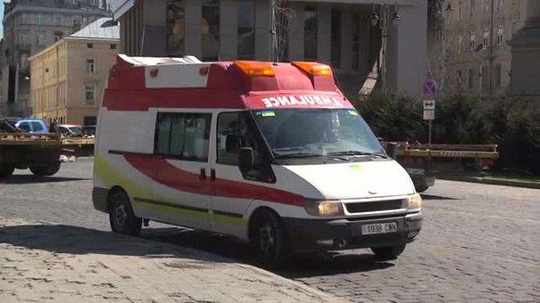 Українці з Італії та Іспанії передали в зону АТО чотири «швидких»