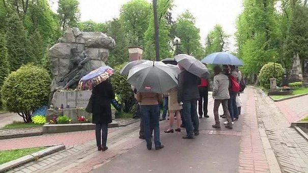 На Личаківському цвинтарі у Львові відреставрують дев'ять надгробків