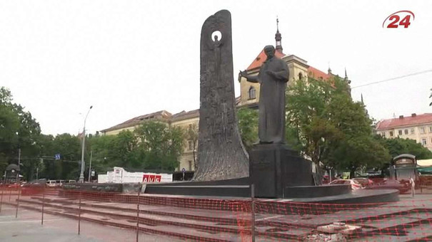 До Дня незалежності у Львові відкриють відреставрований пам'ятник Шевченку