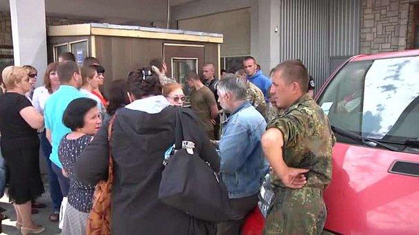 Львівські податківці приймають звіти на вулиці