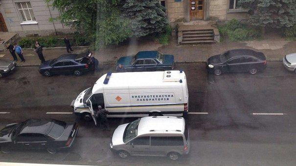 У Львові поблизу райвідділу підірвали міліцейський автомобіль
