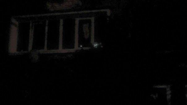 Вночі у вікно львівської квартири закинули коктейль «Молотова»