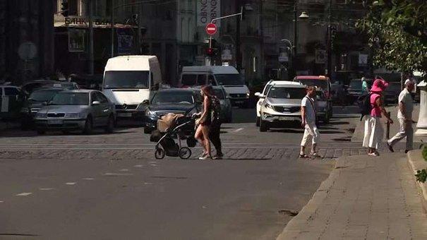 Частину просп. Свободи у Львові закриють для руху транспорту на два місяці