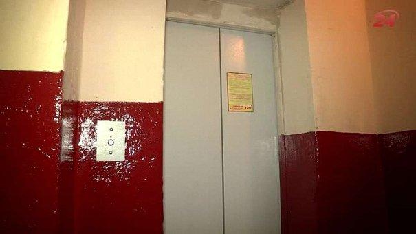 У житловому будинку Львова відновили спалений ліфт