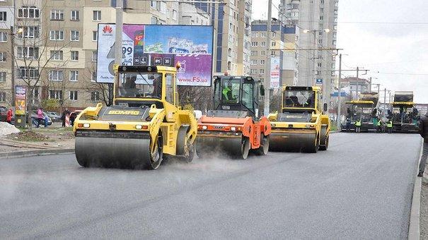 До кінця тижня планують відновити рух відремонтованим проспектом Червоної Калини