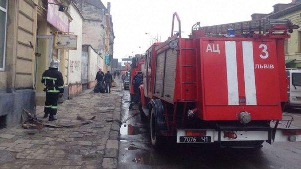 З двох львівських ринків евакуюють людей через повідомлення про замінування