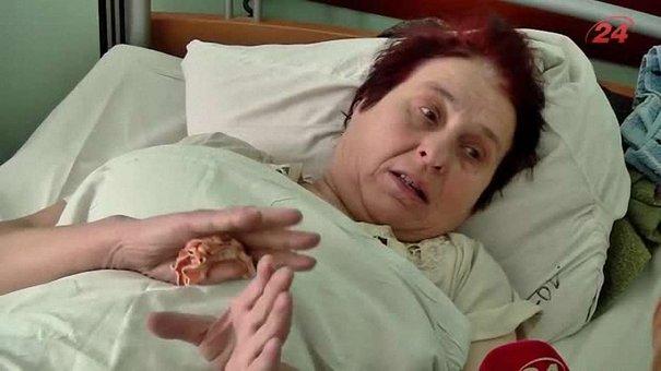 У львів'янки, яка випала з маршрутки, важкий перелом ноги: ексклюзивні свідчення потерпілої