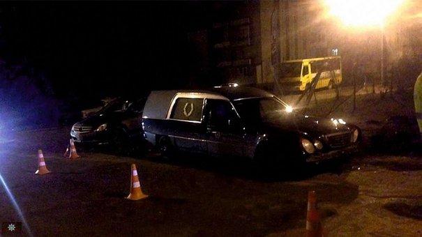 Нетверезий працівник автосервісу скоїв ДТП у Львові на краденому катафалку