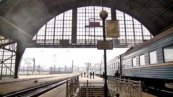Українські потяги одночасно сигналили на підтримку Надії Савченко