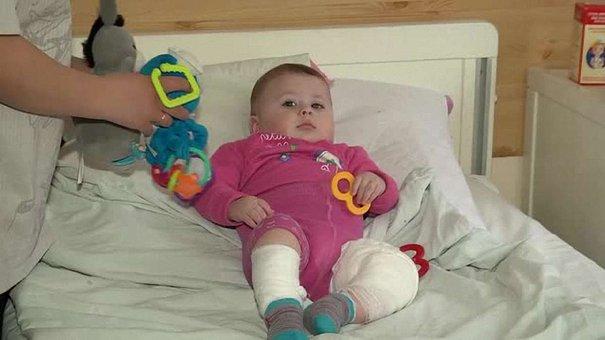 У Львові на жінку з піврічним малюком з будинку вилили окріп