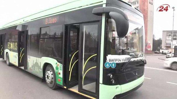 Львівський електробус досі не курсує на маршруті через зміни в документації