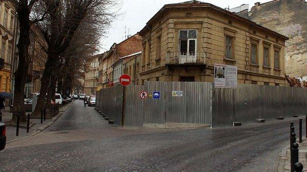 За зруйнований будинок на Чайковського забудовника оштрафують на ₴120 тис.