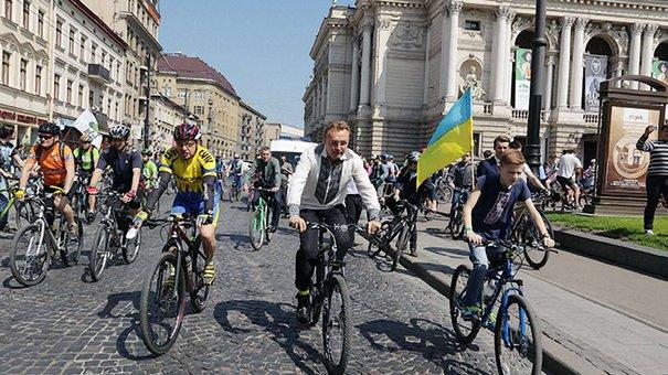 Мер Львова Андрій Садовий взяв участь у найбільшому міському велопараді