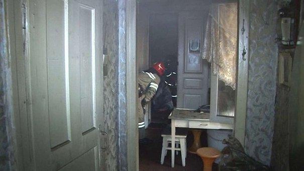 У Львові під час пожежі у квартирі загинула жінка