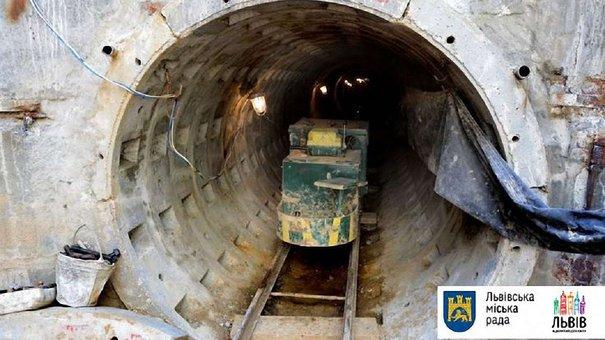 Будівництво нового сихівського колектора обіцяють закінчити до грудня