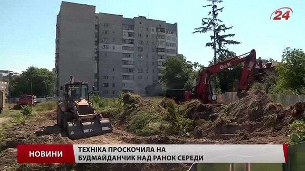 Представників ДАБІ не пустили на будмайданчик забудови на Сосновій-Варшавській