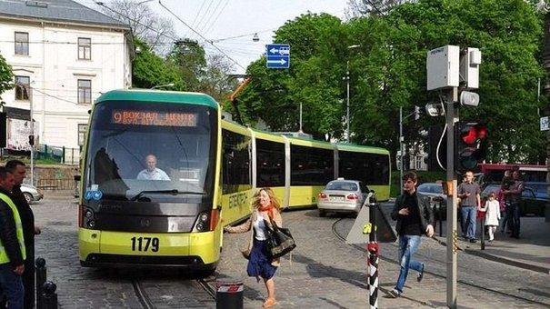 У Львові змінились правила в'їзду у пішохідну зону