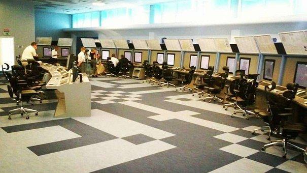 Журналістам показали новий львівський центр керування повітряним рухом