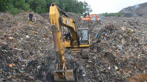 Роботи з рекультивації сміттєзвалища у Грибовичах припинили