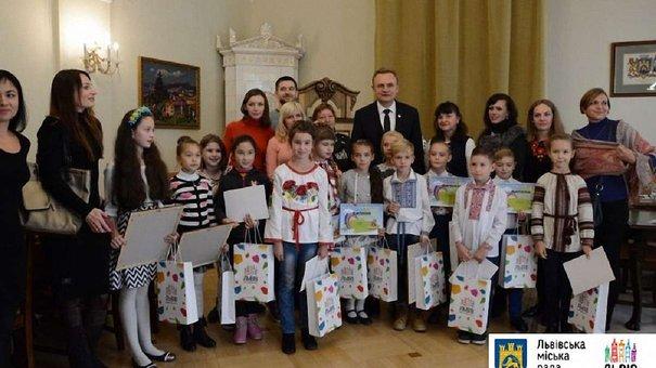 У Львові нагородили переможців дитячого конкурсу «Купуй львівське»
