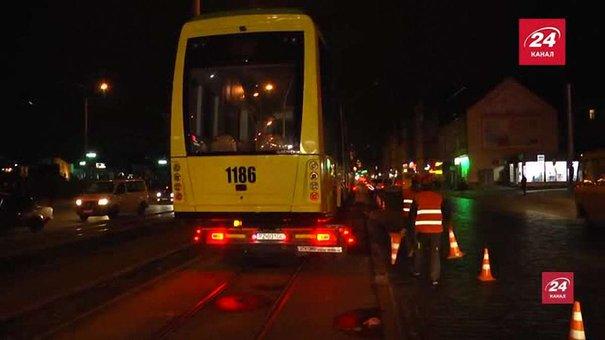До депо у Львові доставили шостий трамвай «Електрон» (ексклюзивне відео)