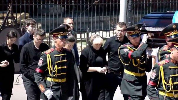 Підліткам, які обікрали будинок учасника АТО в день його похорону, загрожує 6 років тюрми
