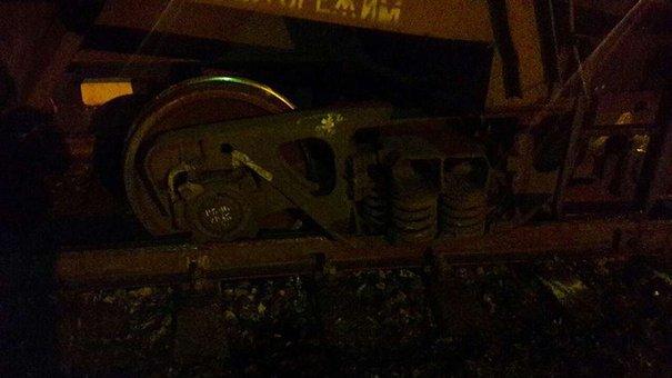 «Укрзалізниця» назвала причину сходження вантажного потяга з рейок біля Львова