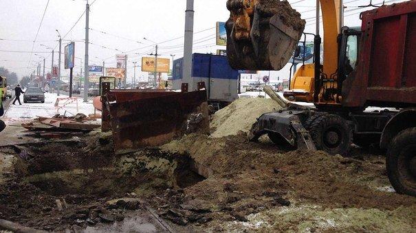 Колектор, біля якого провалилась дорога, перебуває на балансі «Львівської залізниці»